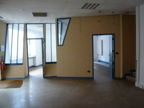 Location Local commercial Bourgoin-Jallieu